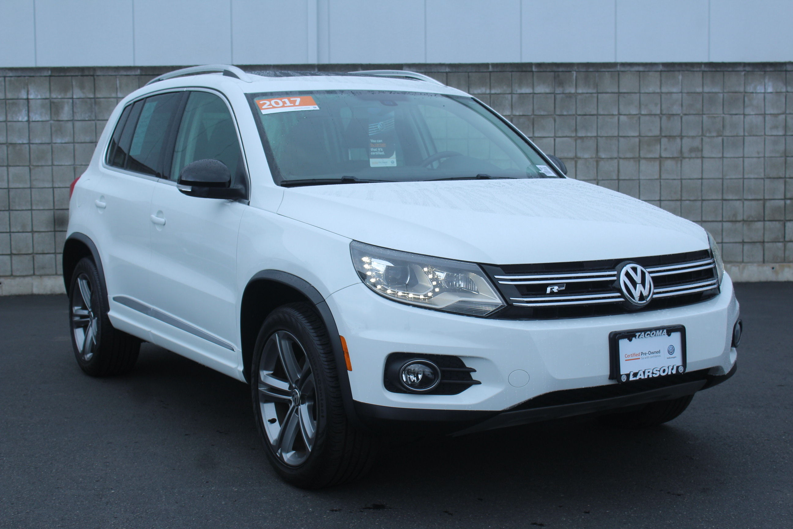 Certified Pre Owned 2017 Volkswagen Tiguan 2 0t Sport 4motion Suv In